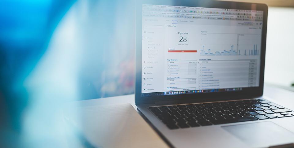ezPrint manager è il sistema web per la preventivazione e la gestione della commessa per la stampa.